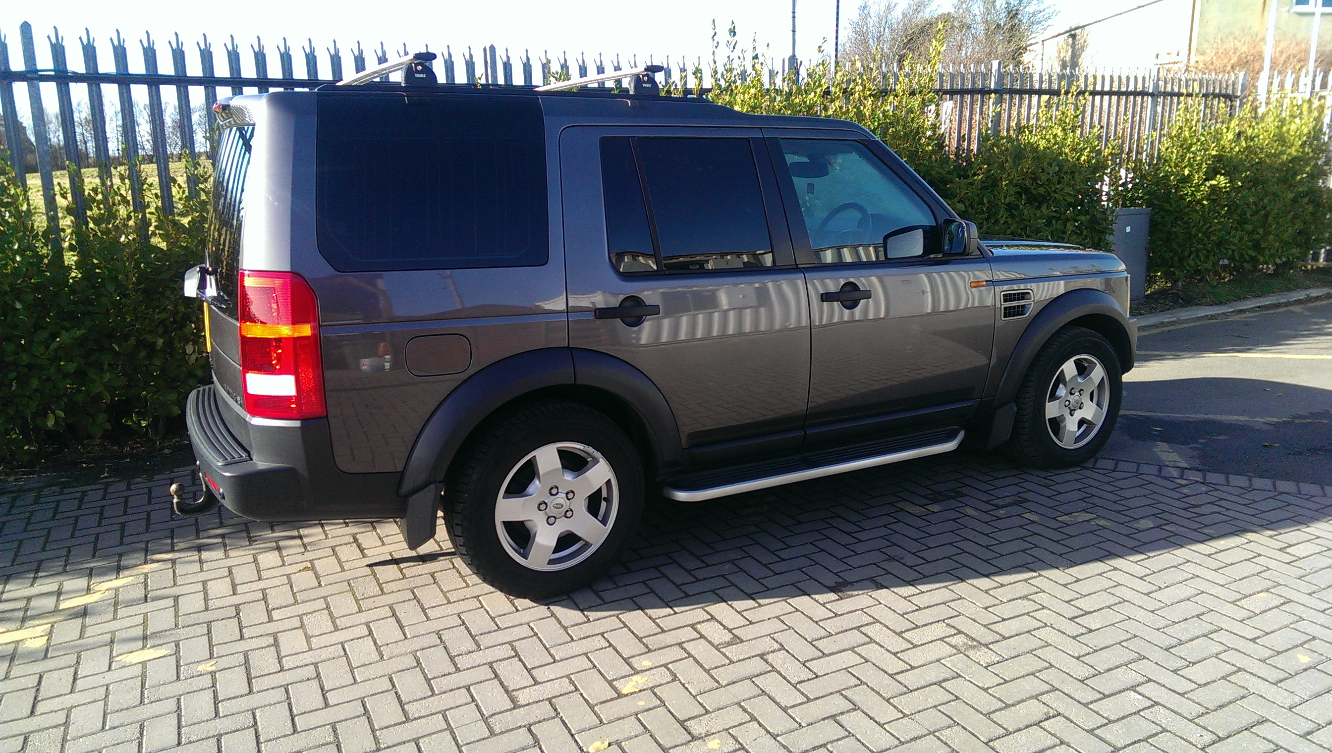 Land Rover Discovery 3   HSE 2.7 TD V6 from private