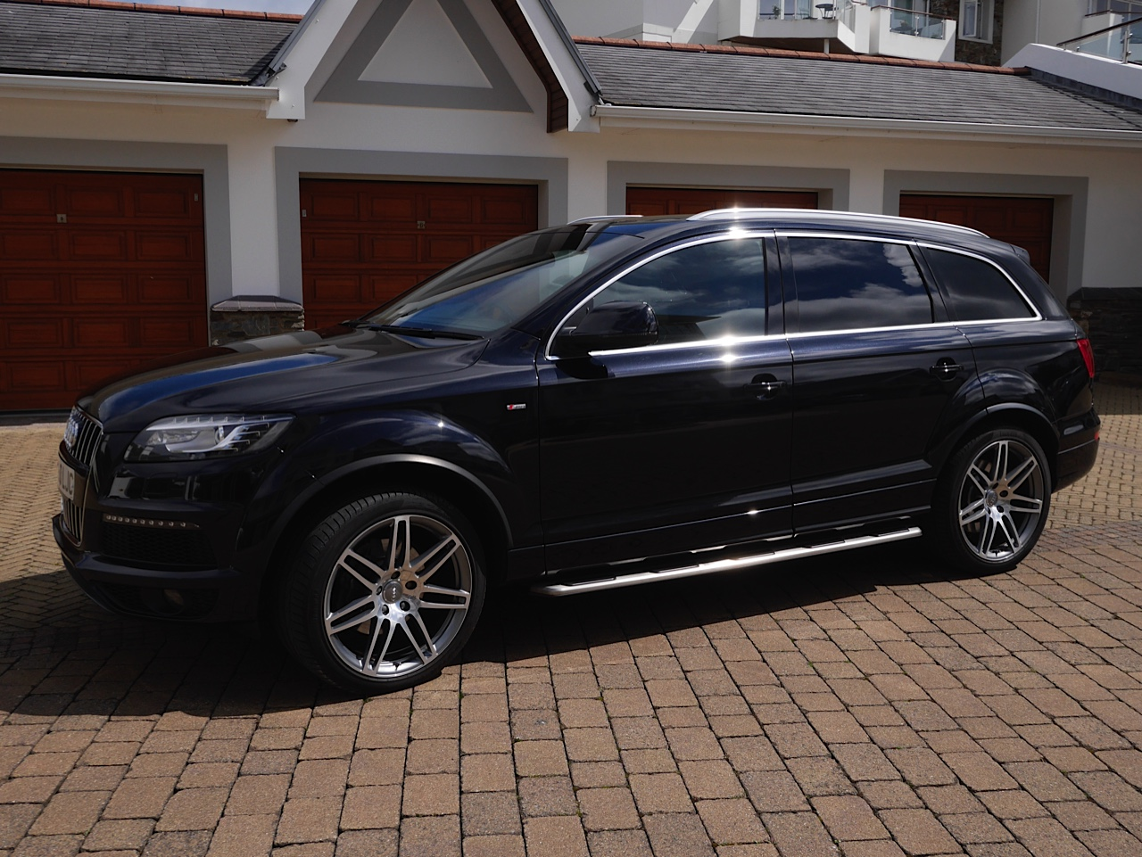 Audi Q7 4.2 from private