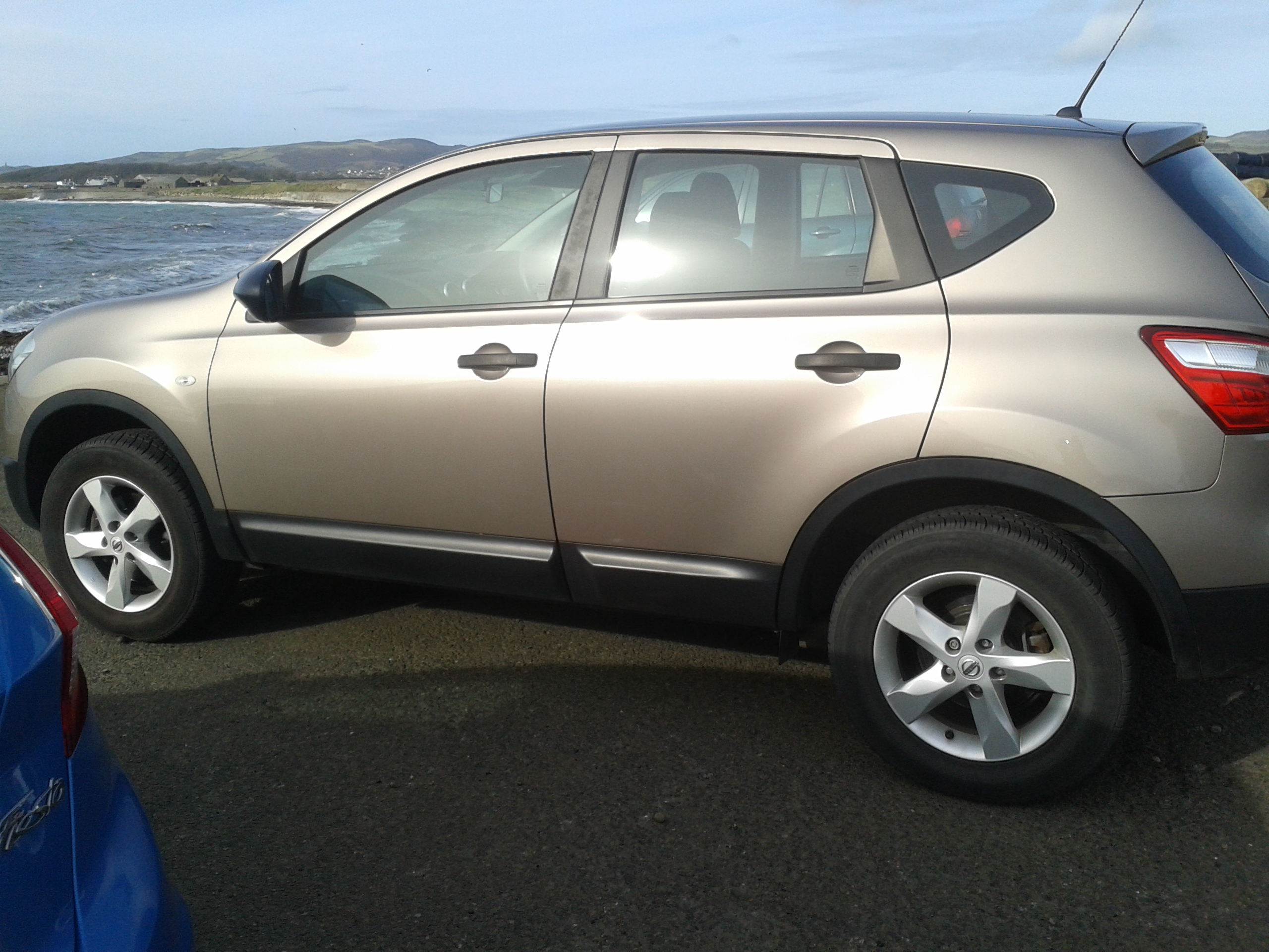 Nissan Qashqai 1.6 from private